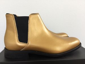 New Aldo Chelsea Gold Boots Size 9 No Box for Sale in La Habra, CA