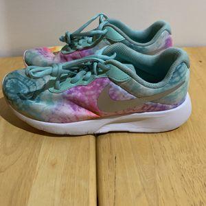 Nike Tanjun Size 6 Youth Tye Dye for Sale in Middletown, CT