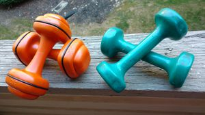 Set of 4 pieces 3 lb and 4 lb dumbbell set for Sale in Columbus, OH