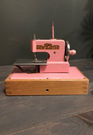 KAY an EE Sew Master Vintage Made in Berlin for Sale in Everett, WA