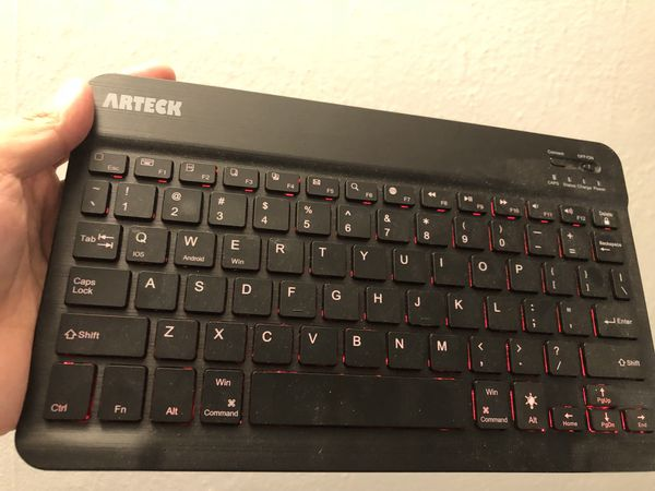 bc5fd6c0ad0 Arteck Bluetooth Keyboard for Sale in Seattle, WA - OfferUp
