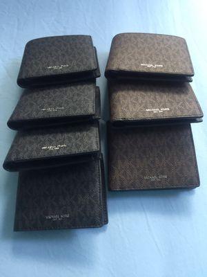 Michael kors men wallet for Sale in Gardena, CA