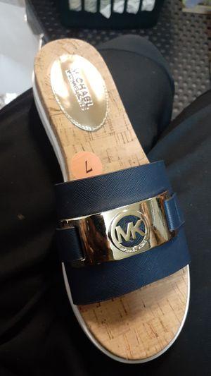 Michael Kors slippers size 7 for Sale in Las Vegas, NV