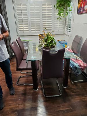 Glass dining table. for Sale in Moreno Valley, CA