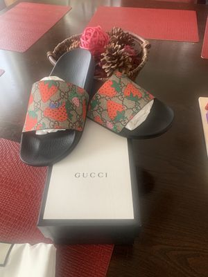 Gucci slide for Sale in Inglewood, CA