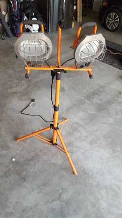 Tri Pod Light for Sale in Bonney Lake,  WA