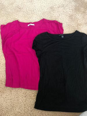 Woman shirts 👚 hot pink & black.. size small mainly for teens for Sale in El Paso, TX