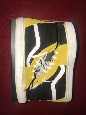 CUSTOM VANS SIZE 13 Mustard Yellow for Sale in Columbus, OH
