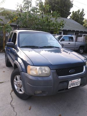 FORD ESCAPE XLT 4X4 AUTOMATIC SMOG READY PASS NEW RADIATOR & ANTIFREEZE NEW OIL / FILTER A/C V6 ENGINE ..TAGS EXPIRED 3 MONTHS CLEAN TITLE .... for Sale in Los Angeles, CA