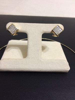 3 Carat Diamond Earrings with 14 Kt Gold mountings. Classy Design!! for Sale in Austin, TX