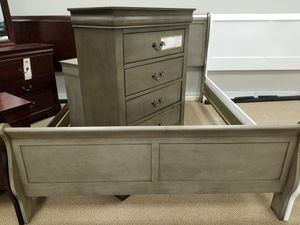 NEW! Louis Philippe Queen Bedroom Set - (Available in all sizes, 5 colors to choose from) for Sale in Clayton, NC
