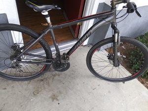 Shimano vike size 28 dis brakes for Sale in Carson, CA