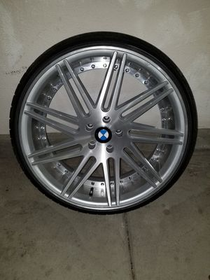 "22"" Silver Brush Road Force Rim w/Tires for Sale in San Marcos, CA"