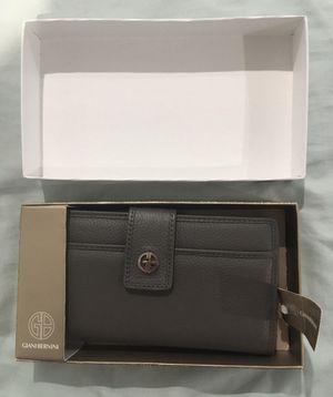 Giani Bernini Gray Leather Womens Wallet for Sale in Miami, FL