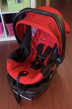 BRITAX INFANT BABY CAR SEAT WITH BASE for Sale in Whittier, CA
