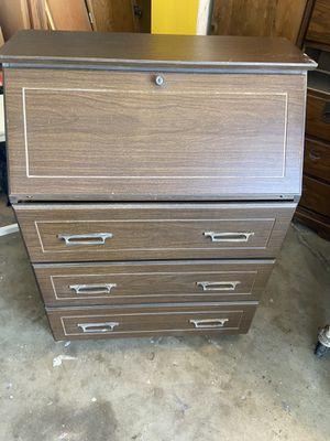 Desk/Dresser for Sale in Lemoore, CA