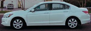 82k miles automatic Honda Accord White for Sale in Roanoke, VA