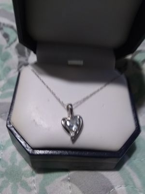 10kt white gold thin chain with small heart pendant for Sale in San Marcos, CA