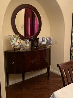 Ethan Allen Dining Table, Chairs And Buffet With Mirror for Sale in San Diego,  CA