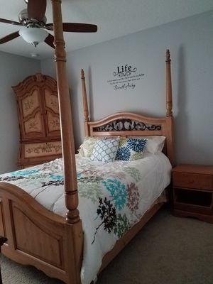 3 PIECE SET SECRETARY WITH HUTCH BED FRAME, MATTRESS, BOX SPRING AND NIGHTSTAND for Sale in Minneola, FL