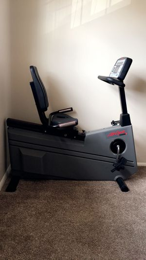 Life Fitness 9500HR Recumbent Bike for Sale in Streetsboro, OH