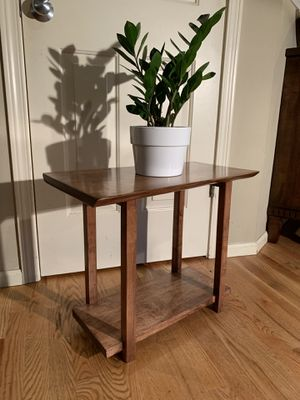 Contemporary Modern Live Edge Accent Table for Sale in Sammamish, WA