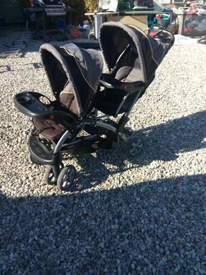 Sit and stand double stroller for Sale in Victorville, CA