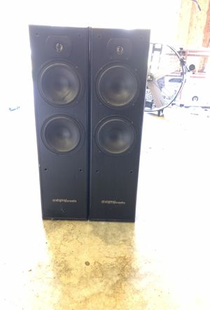 Digital pro audio tower speakers for Sale in Olympia, WA