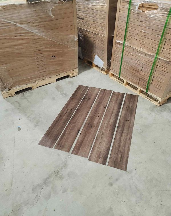 Luxury vinyl flooring!!! Only .65 cents a sq ft!! Liquidation close out! O5