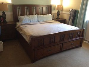 Bedroom set king for Sale in Auburn, WA