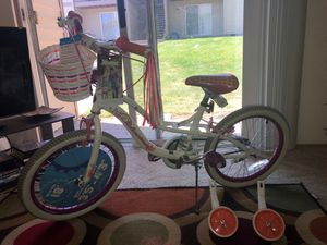 Girl bike (still has Toysrus tags) Almost new for Sale in Portland, OR