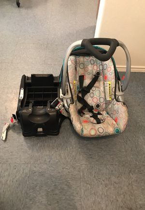 Car seat for Sale in Mercedes, TX