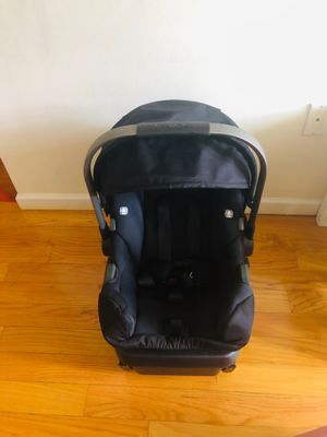 Nuna infant car seat with base for Sale in New York, NY