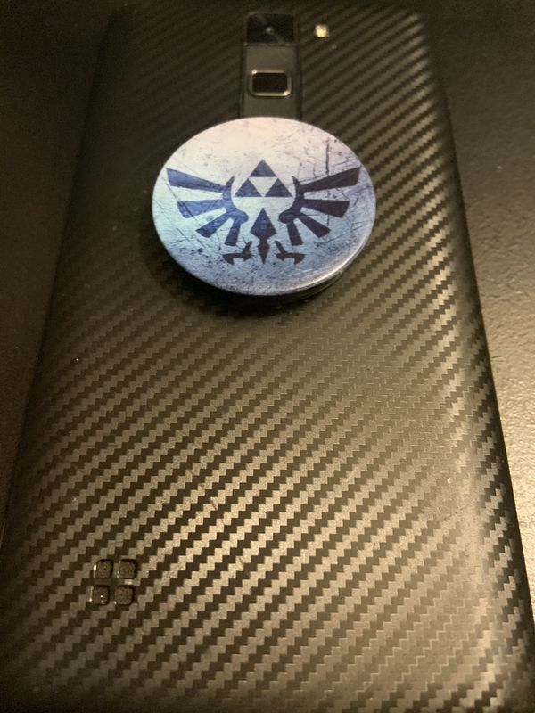 Legend of Zelda phone grip