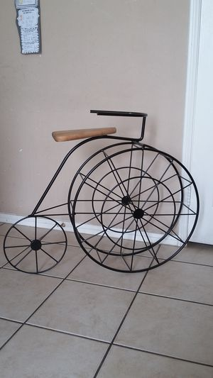 ANTIQUE RARE FLOOR STANDING BICYCLE WINE BOTTLE HOLDER for Sale in Palmdale, CA