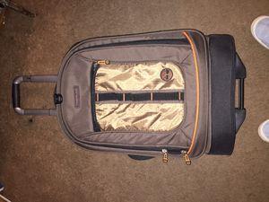 Timberland swivel. Roll suit case for Sale in Manassas, VA