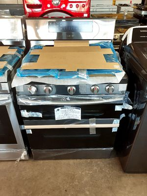 New Samsung 5 Burner Double Oven Gas Stove for Sale in Artesia, CA