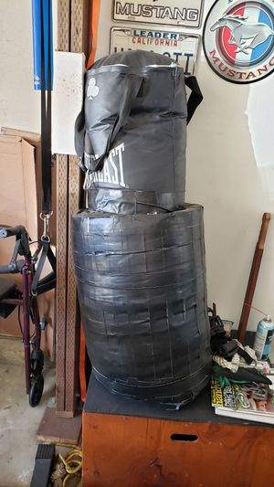 Everlast punching bag + speed bag for Sale in Montebello, CA