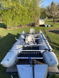 Pontoon boat 16 foot with custom trailer for Sale in Portland,  OR