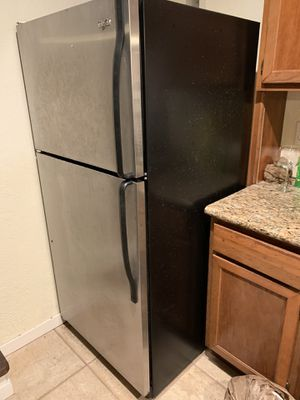Whirlpool refrigerator for Sale in Kaneohe, HI