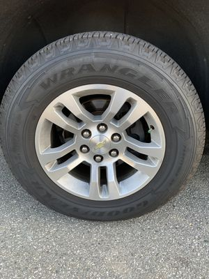 18 inch Chevy Stock Rims with New tires for Sale in South Gate, CA