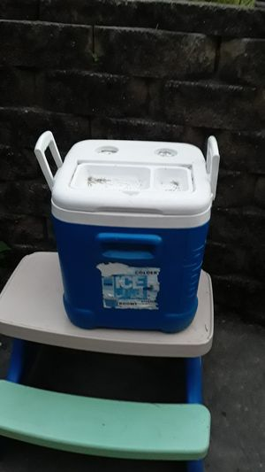 Big cooler for Sale in Catasauqua, PA