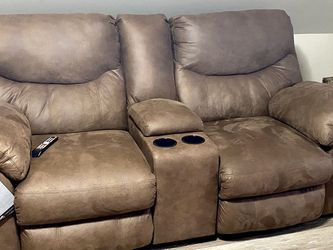 Reclining Love Seat for Sale in St. Louis,  MO