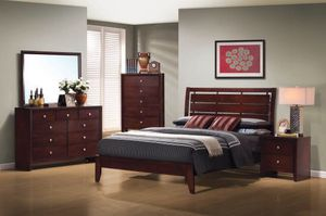 Beautiful new 5 piece Queen bed set only 670$!!! (1 bed, 1 nightstand, 1 mirror, 1 dresser, 1 chest) for Sale in San Leandro, CA