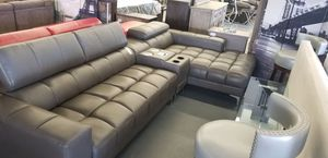GRAY LEATHER SECTIONAL for Sale in North Las Vegas, NV