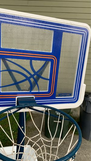 Pool side basketball hoop for Sale in Raleigh, NC