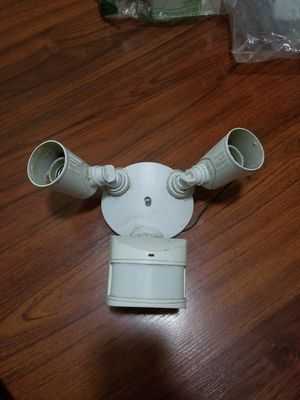 Motion sensor activated security light fixture for Sale in Long Beach, CA