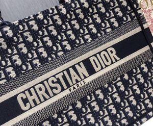 Dior tote bag for Sale in Deerfield Beach, FL