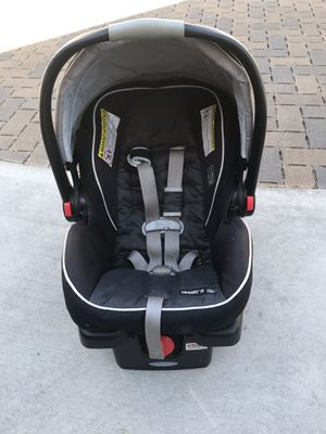 Infant Car Seat with Base for Sale in Wildomar, CA