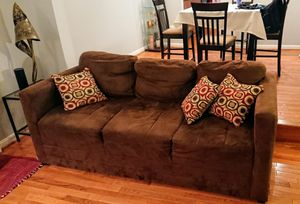 Brown sofa and loveseat for Sale in Rockville, MD